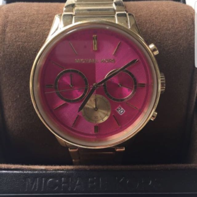 AUTHENTIC & FULLY FUNCTIONING Michael kors gold watch with pink face