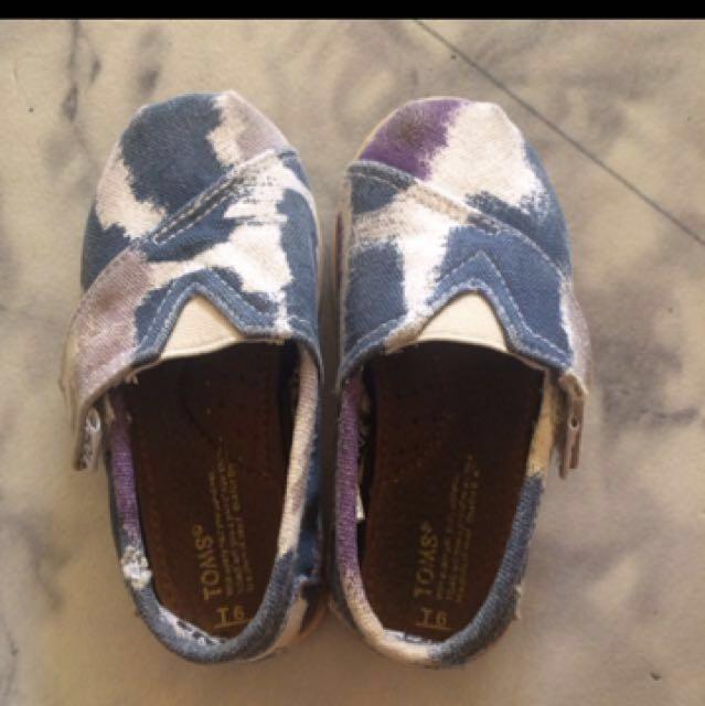 Authentic Toms T6
