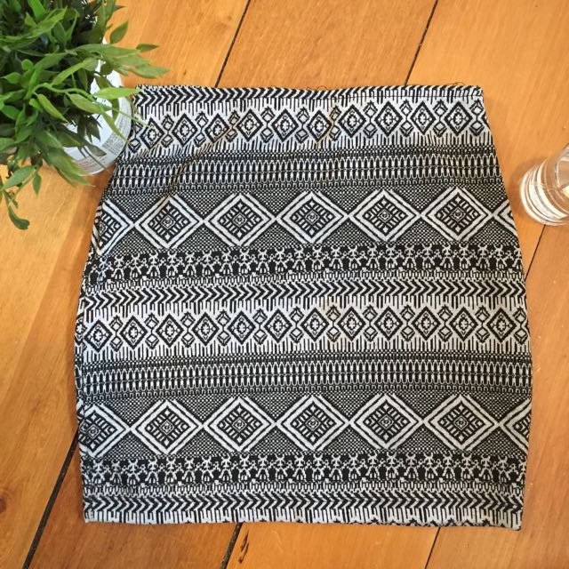 Aztec print black and white skirt