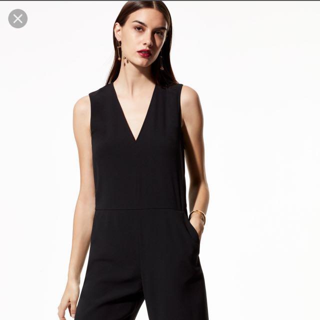 BNWT aritzia jumpsuit (black) size 2