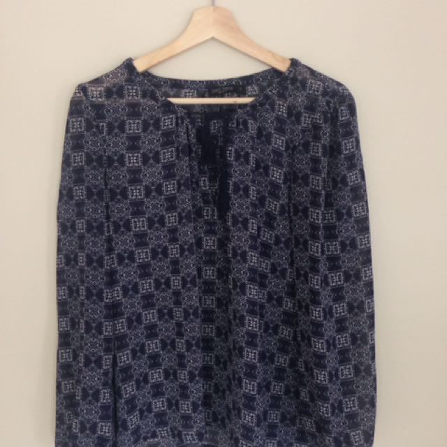 Boho top, just jeans size 10