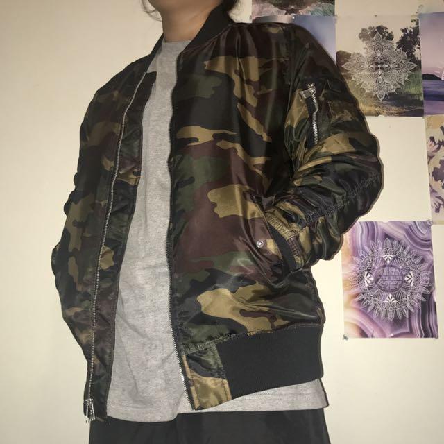 💰 CARRÉ Camo/bomber Jacket