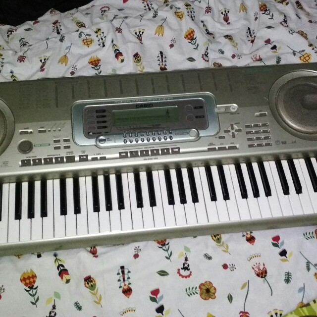 Casio Electric Piano +Free stand and Adaptor