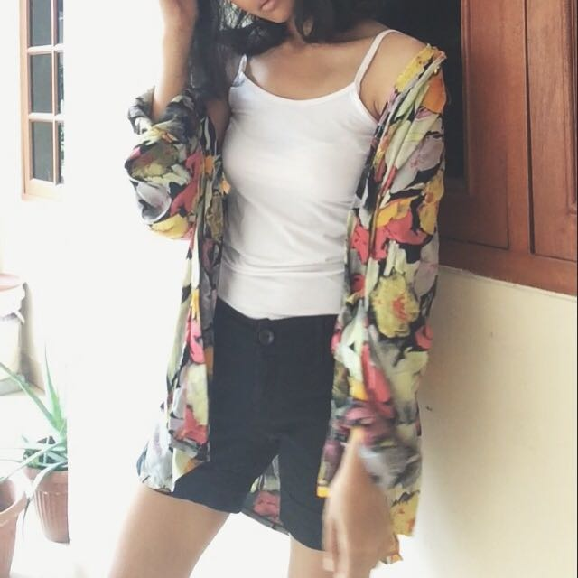 Classic Flowery Shirt (Old Fashion 90s Clothing)