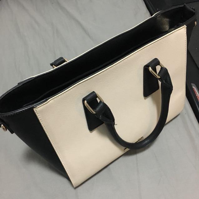 Collette beige black handbag