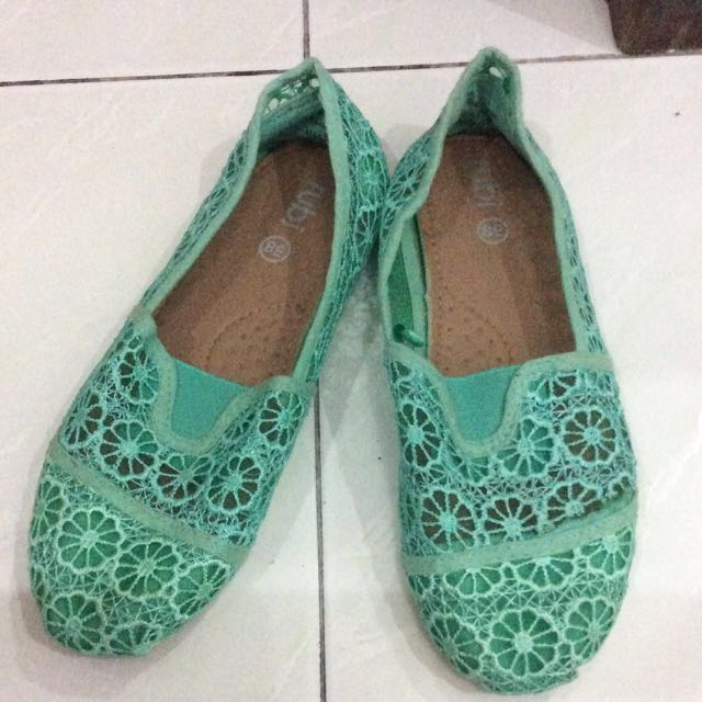 Cotton on rubi green lace slip on shoes