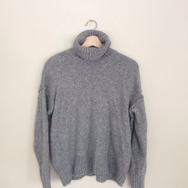 Cozy grey turtleneck H&M size small