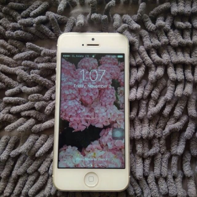 DIJUAL CEPAT!! iphone 5 4G 32gb silver