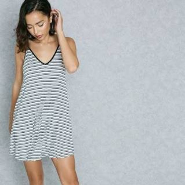 FOREVER 21 STRIPE DRESS