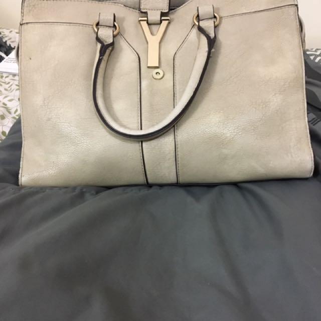 Handbag... barely used