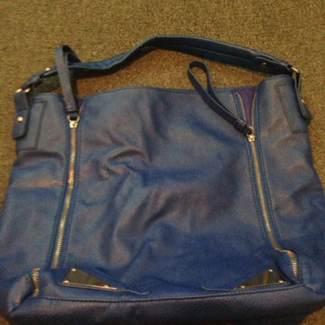 Large navy blue bag
