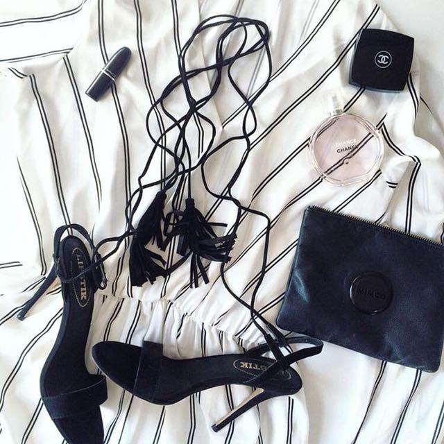 Lipstik elk micro lace heels in black