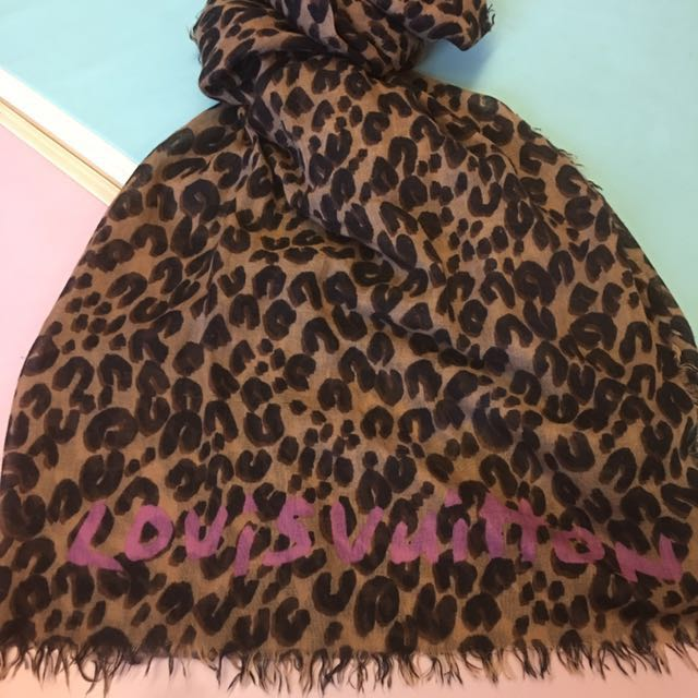 LV豹紋圍巾