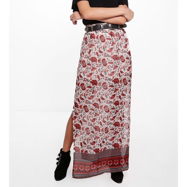 Maxi skirt with side split