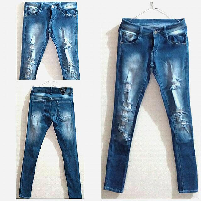NEW - PUNNY Ripped Jeans