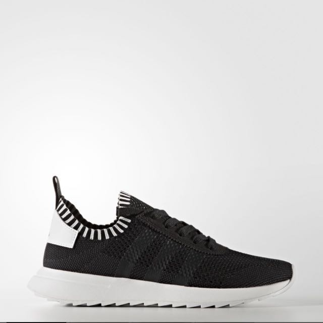New Size 7 Adidas Sneaker