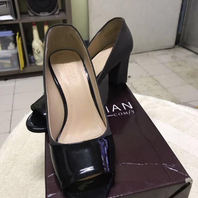 Peep Toe Heeled Shoes