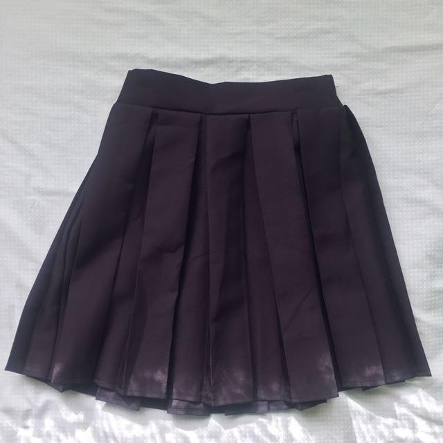Pleated high waisted mini skirt