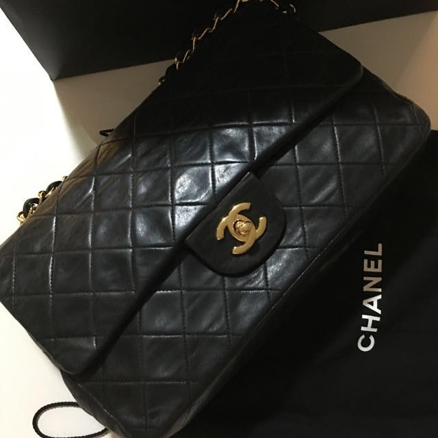 e0bcf9eef3f5 PRELOVED  100% Authentic Vintage Chanel 2.55 Small Classic Flap Bag ...