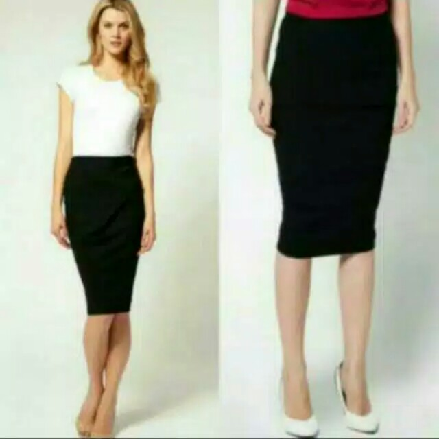 Rok span pendek 7/8, Women's Fashion, Women's Clothes, Dresses & Skirts on Carousell