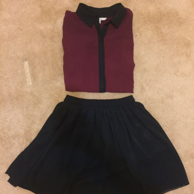 RW&Co Women's Burgundy Long Sleeve Shirt with Black Collar Detail - Size Small