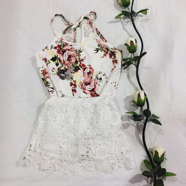 [SALE!!] White Floral Halter Style Top with Tie