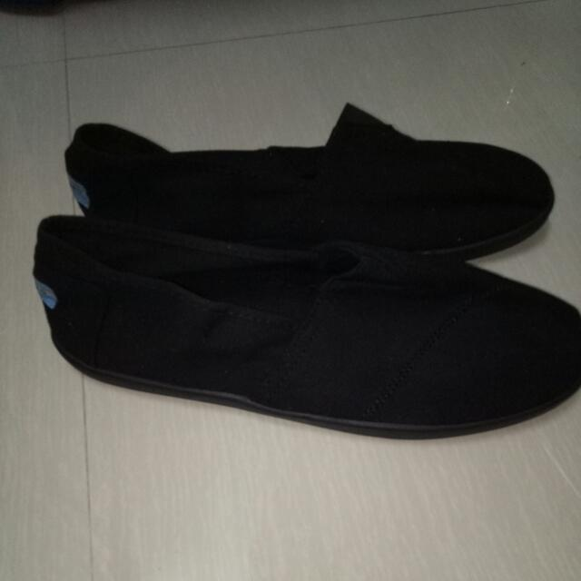 Toms Footware