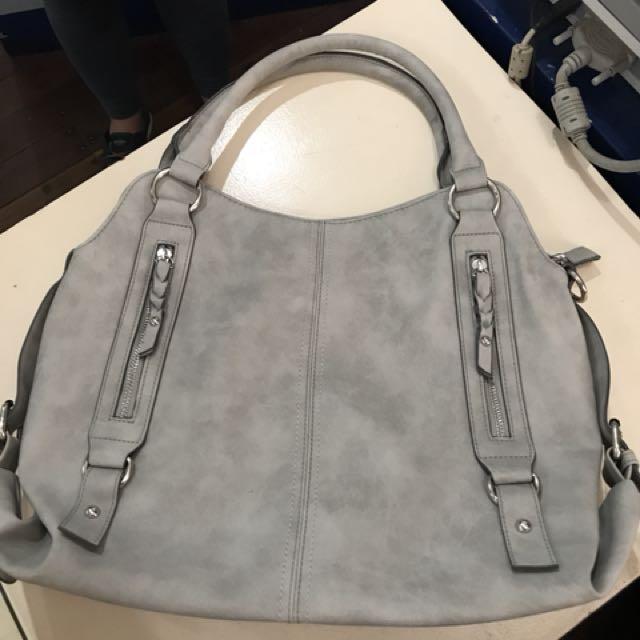 Unbranded leatherette bag