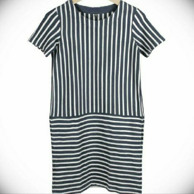 Uniqlo dress stripe