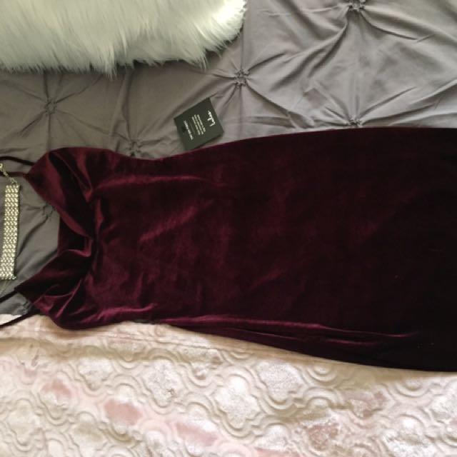 Velvet dress in wine colour