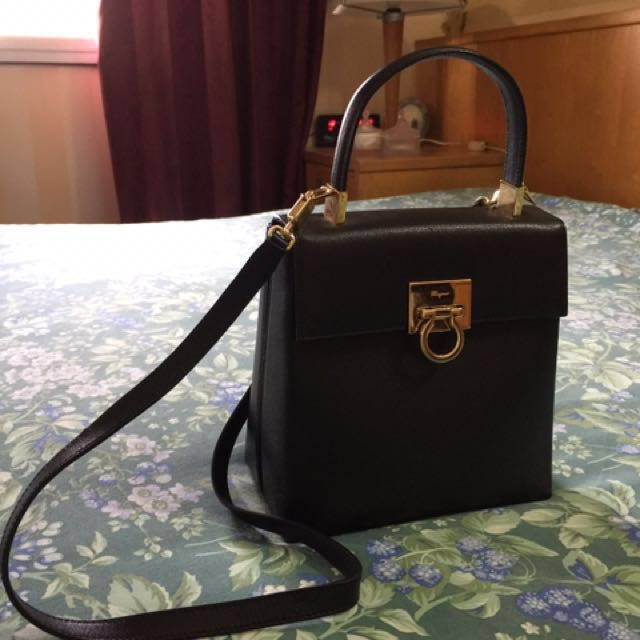14055bfe7b4 Vintage Salvatore Ferragamo Gancini Kelly Shape 2 way handbag ...