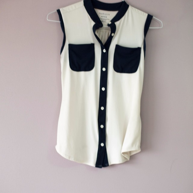 White top with colour black pockets