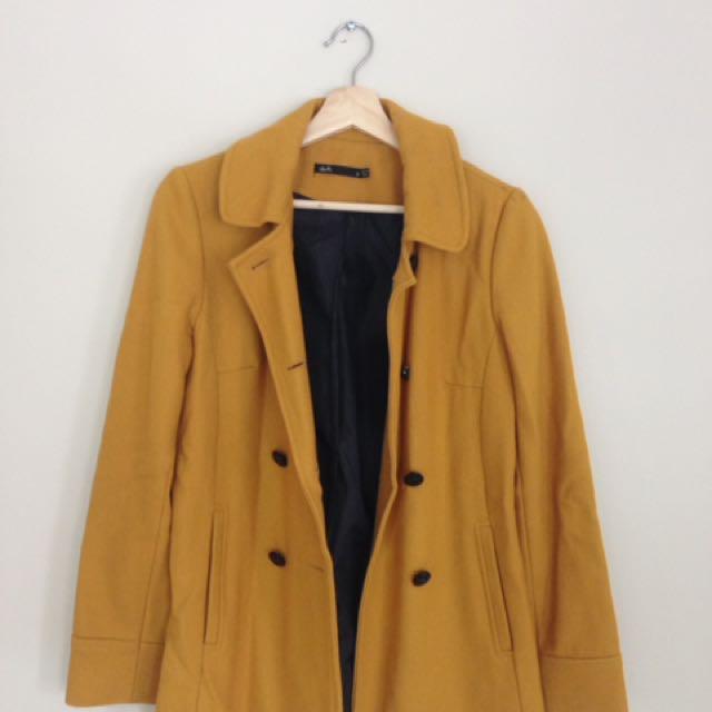 Yellow coat dotti size 8