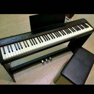 鋼琴 Roland 附琴架琴椅