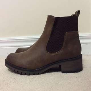 Ardene Boots