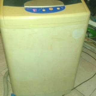 Mesin cuci 1tabung manual