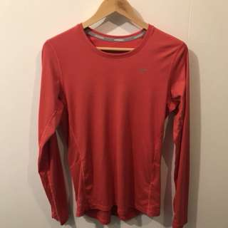 Nike dri-fit top M