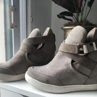 Wedge shoes ( aldo)