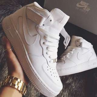 WHITE NIKE SHOES AIRFORCES HIGH TOP