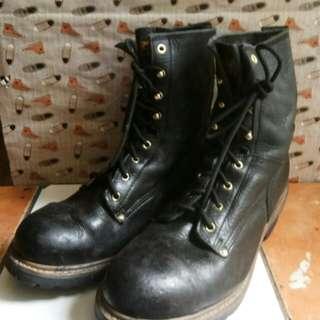 Sepatu Boots CAROLINA