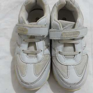 White Rubber Shoes Pitter Pat