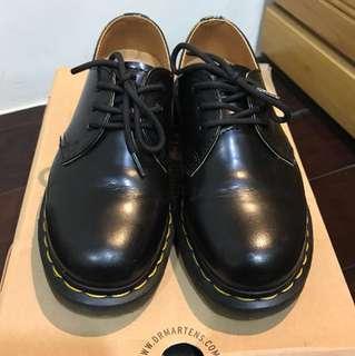 Dr.Martens三孔鞋