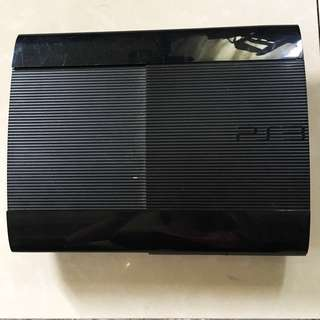 PLAYSTATION 3 Super Slim (with 2 analog controllers & 8 games)