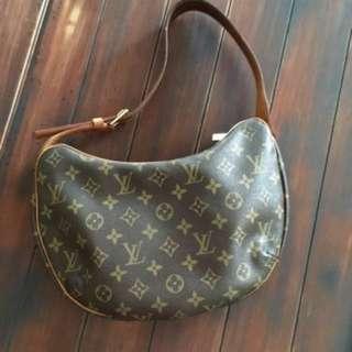 Louis Vuitton Croissant MM