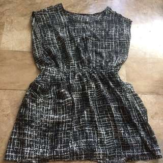 Printed black dress