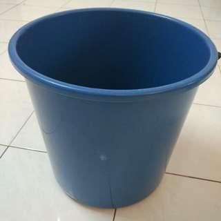Big pail