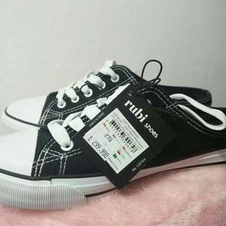 Rubi Shoes Sneakers Hitam