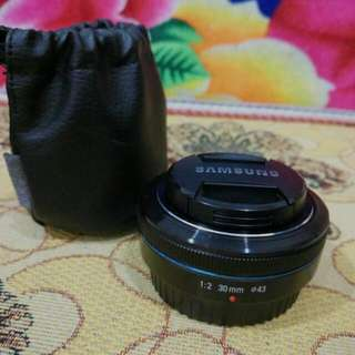 Samsung NX prime lens 30mm f2
