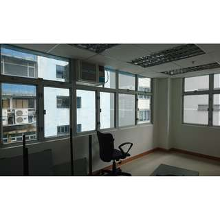 [Tsuen Wan] Golden Bear Industrial Centre Newly furnished Office For Lease, Call Now 54031606!