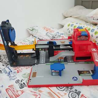 Fast Lane Folding Fire Truck Playset